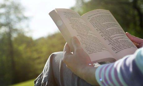 Чтение: архаизм или насущная необходимость?