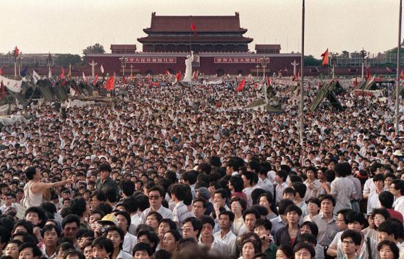 палаточный городок на главной площади Пекина