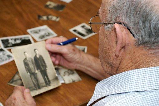 память искажает прошлое