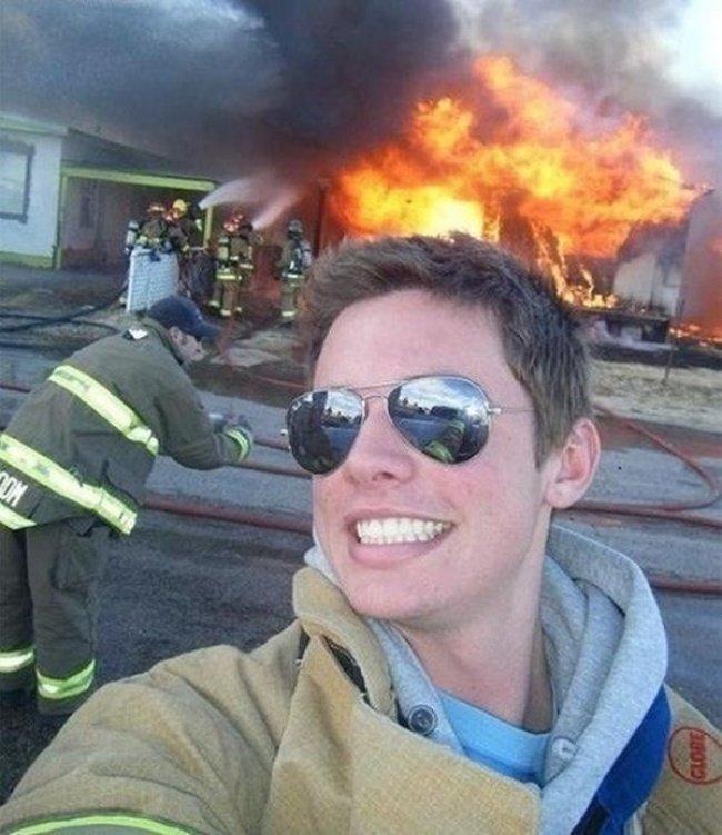 Пожар — самое время делать селфи